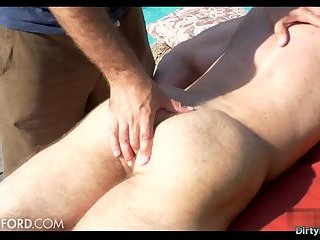 Outdoors,Massage,outdoor,muscle,gay Hairy bodybuilder outdoor with massage