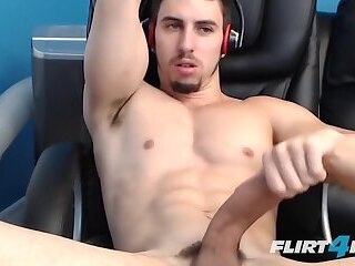 Cumshot,Masturbation,Solo,Big Cock,webcam,Hunks,muscle,cum eating,gay Muscular Hunk Shoots Big Loads in His Own Mouth