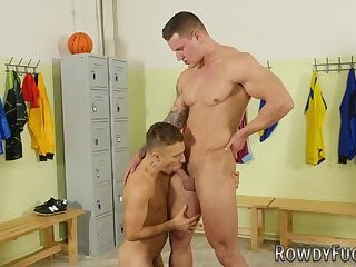 Bisexual,Bareback,cock 2 cock,gay Wrestler gets rammed in the ass