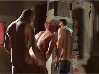 Bukkake (Gay);Blowjobs (Gay);Group Sex (Gay) Atraccion por el sexo