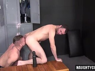 Anal,Hunks,muscle,gay humongous penis Bottom a bit of butthole With penis juice flow
