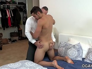 Amateur,oral,anal sex,hardcore,condom,deep throat,brunette,hairy,gay Young gay boi fucks the old birthday man