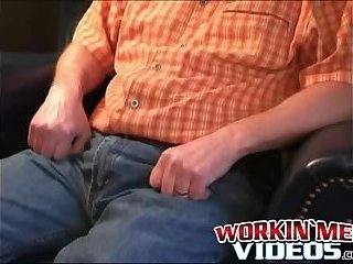 Cumshot,Amateur,Masturbation,Solo,hairy,chubby, anal play,workinmenvideos,gay Horny mature dude loves playing with asshole while wanking
