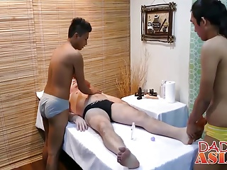 Gay Porn (Gay);Twinks (Gay);Asian (Gay);Blowjobs (Gay);Group Sex (Gay);Daddys Asians (Gay);HD Gays;Massage Happy End;Happy End;Happy Massage;Good Massage Daddy Mike needs a good four hand massage with happy end