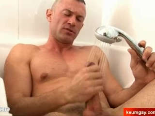keumgay;big-cock;european;massage;gay;hunk;jerking-off;handsome;dick;straight-guy;serviced;muscle;cock;get-wanked;wank,Muscle;Solo Male;Big Dick;Gay;Hunks;Straight Guys;Amateur;Handjob;Cumshot Lorenzo, straight hetero military guy gets gets filmed in spite of him.