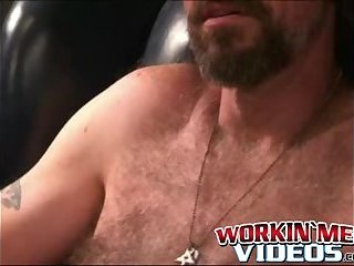 Cumshot,Amateur,Masturbation,Solo,Mature,hairy,smoking,bearded,workingmenvideos,gay Horny mature carpenter Bryant making his cock cum hard