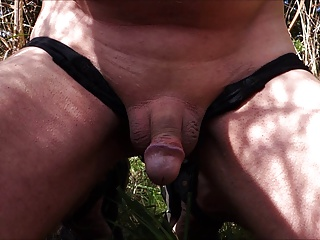 Men (Gay);Outside Wanking and cum shot outside in France