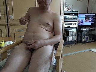 Amateur,Masturbation,naked guy,Japanese old man,ejaculation,gay The elderly ejaculate with naked masturbation and drink semen