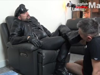 leather;leather-master;leather-slave;leather-gloves;glove-worship;glove-over-mouth;gom;boots;leather-boots;boot-worship;boot-licking;slave-master;worship;leather-worship,Daddy;Fetish;Gay;Verified Amateurs slave worships Leather Master's gloves and boots PREVIEW