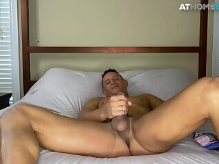 Masturbation,Interracial,Party,Blowjob,cock 2 cock,gay,HD Muscled amateur toys and fingers his asshole before jerkoff