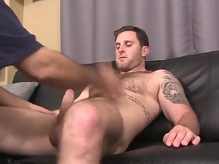 Hunks,Blowjob,studs,muscle,hairy chest,gay Suction