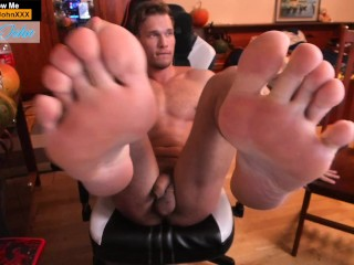 big-dick;big-cock;big-balls;flexing;feet;feet-soles;soles;blonde;handsome;perfect-body;six-pack;abs;naked-flexing;naked-boy;naked-guy;sexy,Muscle;Solo Male;Gay;Hunks;Straight Guys;Amateur;Uncut;Feet;Verified Amateurs Blode fit stud going all naked on his Chair and flexing his abs and showing his big feet off!